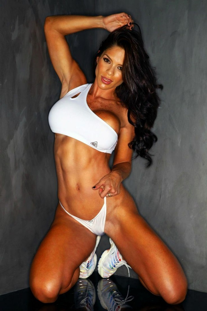 Michelle Lewin: Top 20 Pics and Videos