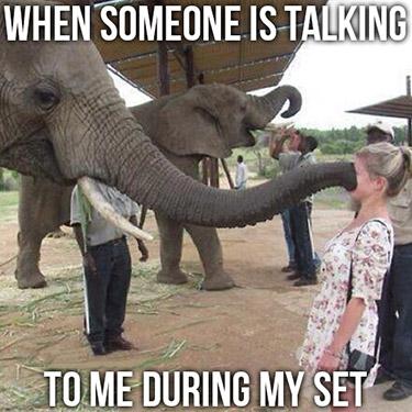 talking-during-a-set